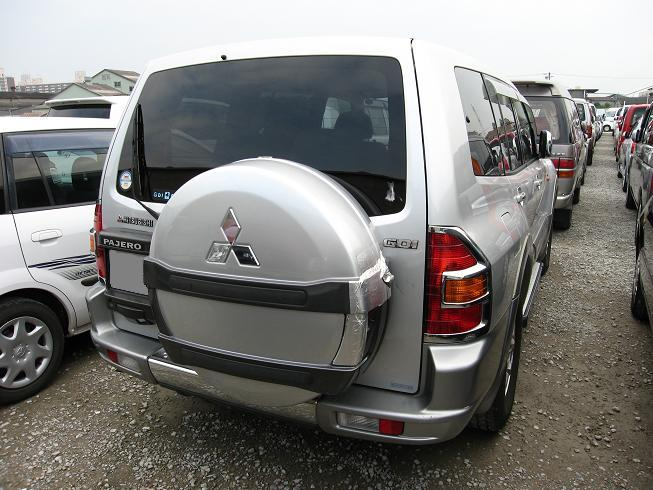 pajero rear view V73 V75