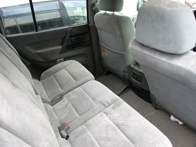pajero rear seat view V73 V75